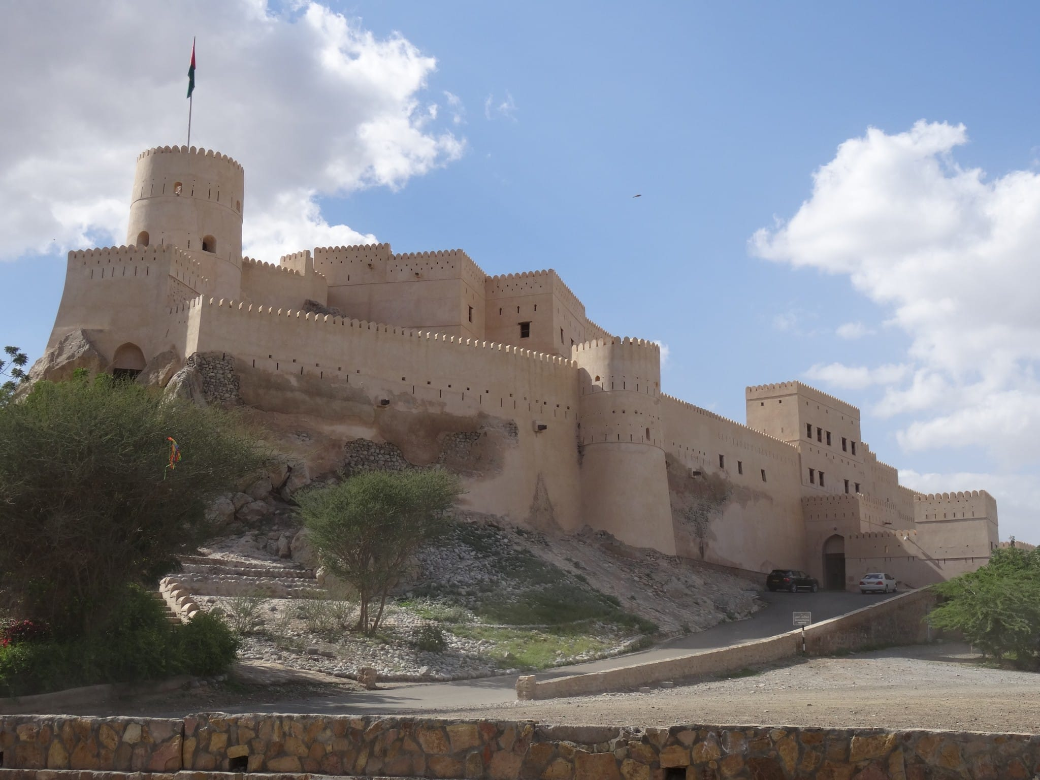 OMAN – A 10 day road trip Oman itinerary from Salalah to Muscat in a 4×4